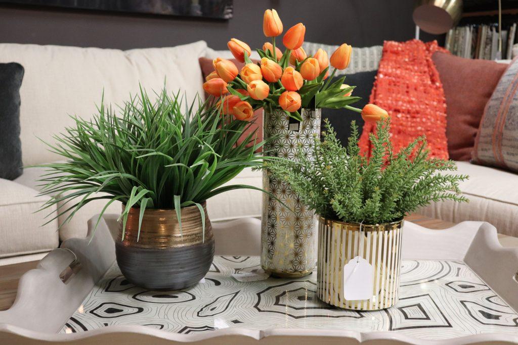 Small botanical arrangements